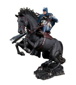 """DC Collectibles Batman Dark Knight Returns Call To Arms 8"""" Resin Statue 904341"""