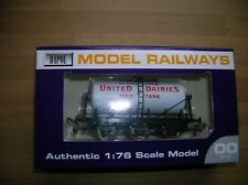 Dapol OO B629 United Dairies 6-Wheel Milk Tanker White, Red Lettering Mint Boxed