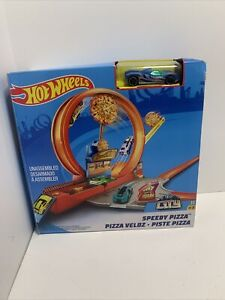 Mattel Hot Wheels Speedy Pizza Action Track Builder Playset - NEW Open Box