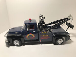 """1:18 """"Welly"""" 1956 Ford F-100 Tow Truck , Preowned Has A Couple Of Flaws. (READ)"""