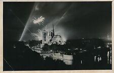 PARIS 1954 - 14 Juillet  Feux d'Artifices  Cathédrale Notre-Dame- PR 643