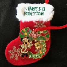 Disney Pin Merry Christmas 2010 - Minnie Mouse  LE 1000 Disneyland Holiday