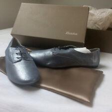 sneakers cuir Bata T.39 neufs