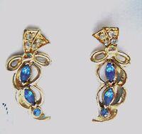 Vintage Gold Tone BLUE Rhinestone Screw Back Earrings