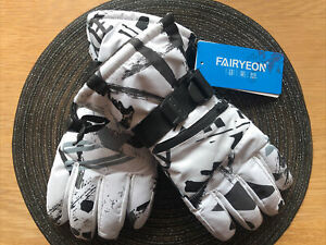 Ski Gloves, black and white, size medium - Brand new