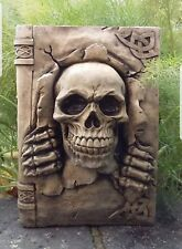 Totenkopf skull stein Figur Buch skullbook skulls schädel
