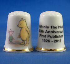 Happy Valentine 2017 Winnie The Pooh /& Piglet Gold Top China Thimble Card B//177
