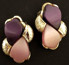 VINTAGE - SIGNED CORO - THERMOSET CLIP ON EARRINGS