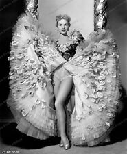 8x10 Impresión Janet Leigh Walking My Baby Back Home 1953 #JL883
