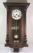 Wanduhr um 1900, guter Zustand, Krone fehlt, Schlüssel anbei   (0-1095/6064)