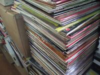 Lot de 50 GRANDS disques  vinyle  LP 33 tours  VINILES VYNILS variété Française