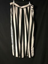 Pre Loved Forever 21 White And Black Striped Skirt Size 3x