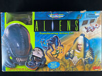 Galoob 1997 Micro Machines Aliens Transforming Action Set R9