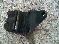 Farmall 300U 300 350 Utility Tractor Ih wishbone frontend main mount bracket