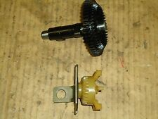 BRIGGS AND STRATTON( QUANTUM 35 ENGINES)CAMSHAFT/OIL SLINGER