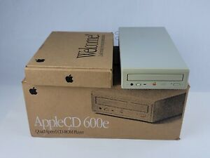 Apple CD 600e Quad Speed CD-ROM Drive Complete in box w/ start-up disc & cables