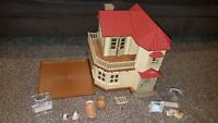 Calico Critters Luxury Townhouse with Baby Puppies Bunny Chipmunk Animals