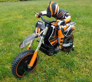 Reely Dirtbike Brushless 1:4 RC Motorrad Elektro RtR 2,4GHz  -  Kundenretoure