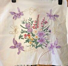 """Vintage Embroidered Linen Sampler - Floral Design - 18"""" x 17"""""""