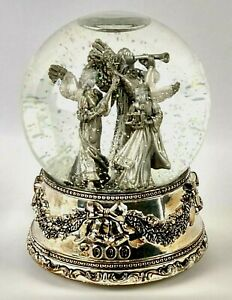 First Edition 2000 Snow Globe Wallace Silversmith Musical Angel Christmas