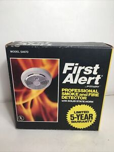 New Vintage 1994 First Alert SA67D Professional Smoke & Fire Detector