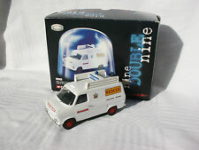 FORD TRANSIT ACCIDENT UNIT COUNTY OF AVON POMPIERS VANGUARDS 1/43
