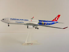Airbus A330-200 Turkish Airlines 1/200 Herpa 558105 A330 UEFA Francia