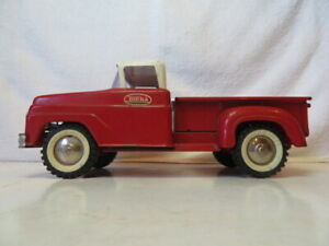 Vintage Early 1960's 'Red & White' Tonka Step-Side Pickup Truck (Nice Condition)