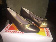VTG California Magdesians LAUREL PLATINUM KID Women's Heel Pump ~Size 8M~EUC