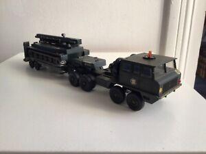 Solido porte char berliet t12 avec char amphibie pt 76 URSS