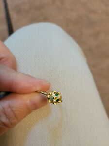 Vintage Ladies 10KT Yellow Gold Ring Flower Diamonds & Emeralds size 7