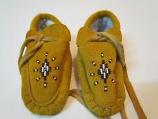 Little NATIVE AMERICAN BABY/CHILD MOCCASINS, UNISEX, 5 INCHES LONG, BEADED