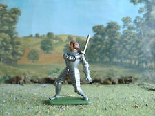Jean Hoffler Medieval Knight defending with sword 1:32 painted