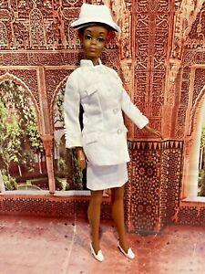 Vintage Nurse Barbie Diahann Carroll as Julia doll Mattel TNT - LOOK ⭐️