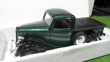 FORD V8 PICK UP 1936 bâche plate vert 1/18 SOLIDO voiture miniature d collection