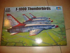 TRUMPETER Flugzeugbausatz F-100D THUNDERBIRDS 1:48 + Reichlich Extras Ungebaut