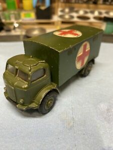 Vintage Dinky toys Military Army Ambulance #626 Nice with Driver.