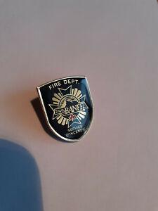 Fire deparment Banff Kanada Feuerwehr Spange Sticker Anstecker Pin 25x20 mm