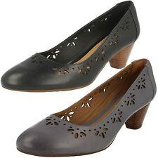 Clarks Mid Heel (1.5-3 in.) Wide (EE) Court Shoes for Women