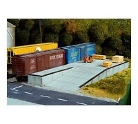 Pikestuff (HO-Scale) #541-0017 Loading Dock and Ramp - NIB