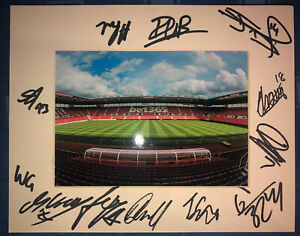 Stoke City FC 21/22 HAND SIGNED 10x8 MOUNT DISPLAY Signed By 12 Players