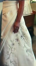Clearance sale! WEDDING DRESS SIZE 10 11 STRAPLESS CORSET GOWN HAND BEADED Satin