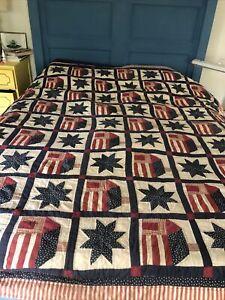Vtg 1970s Handmade Red White Blue STARs And Houses QUILT Bicentennial Stripes
