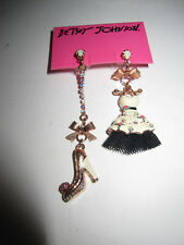 BETSEY JOHNSON VINTAGE BETSEY HIGH HEEL STRETCH BRACELET FOR 	 ljr18702