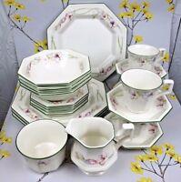 Lovely floral vintage Sandringham DINNER SERVICE / SET for 4. Plates cups etc.