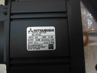 Mitsubishi HC-SF52 AC Servo Motor HCSF52 New In Box Expedited Shipping