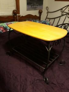 Longaberger wrought iron treasures table with woodcrafts lid