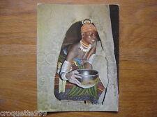 carte postale Postcard AFRIQUE Oudjila jeune epouse Podokwo apportant repas mari