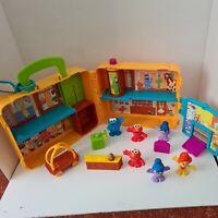 CBeebies Furchester Hotel Muppet Show Sesame St Elmo Case Figures Toy Play Set