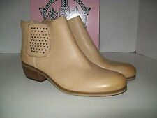 Crown Vintage Tan Leather Ankle Boot- US Shoe size womans size 8.5 M
